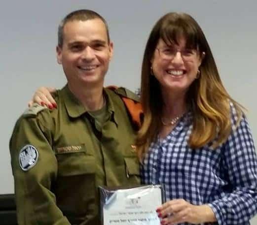 אלוף פיקוד העורף יואל סטריק הגיע לביקור בעיריית יהוד מונסון