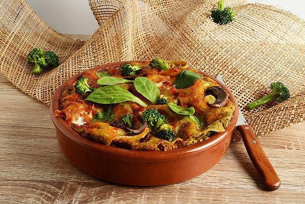 לזניה ירוקה עם טחינה ורוטב עגבניות מהיר