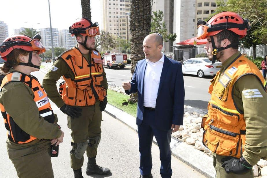 שר החינוך נפתלי בנט בתרגיל חירום באור יהודה