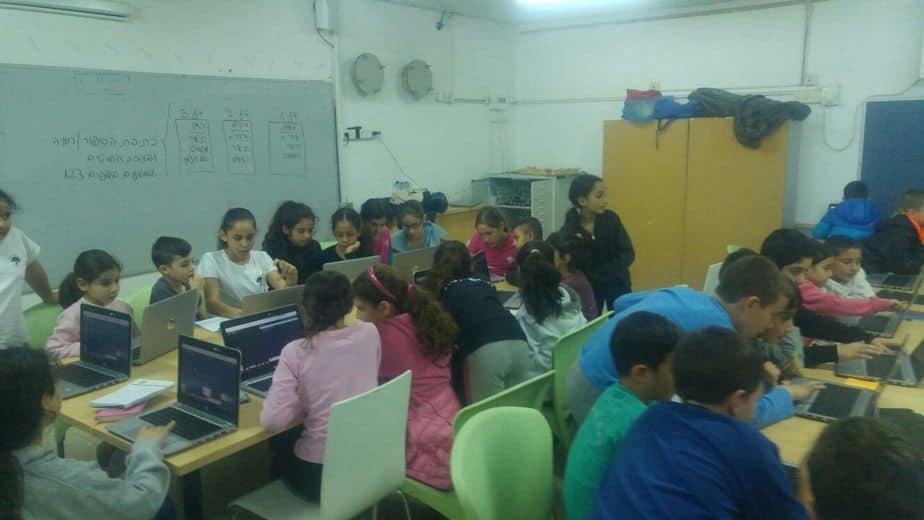 בית ספר שיזף העפילו לגמר אליפות הסייבר הארצית