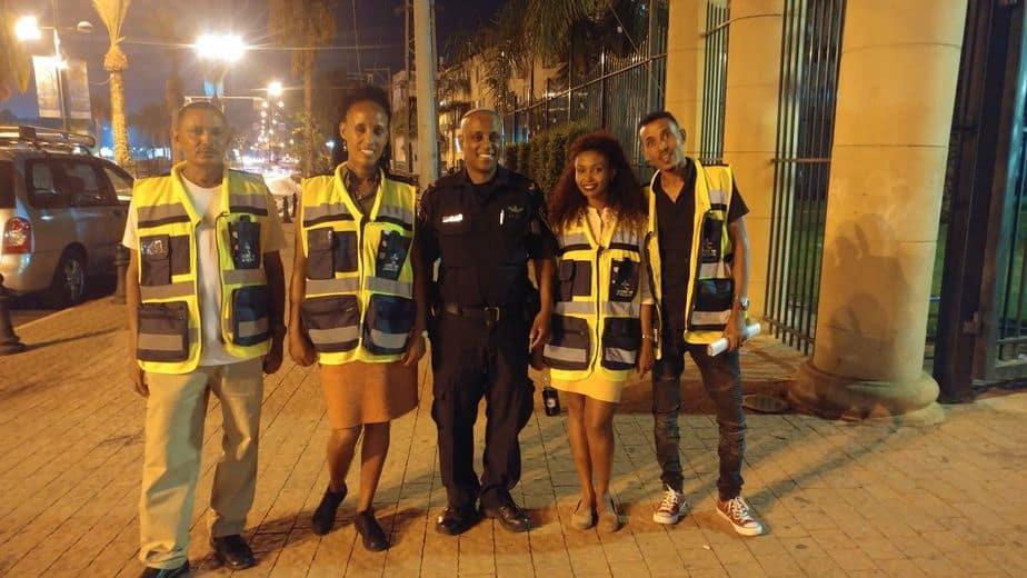 סיירת הורים עם השוטר הקהילי ג'רמי מקונן ובזאטו רטה מימין קרדיט דוברות המשטרה 1