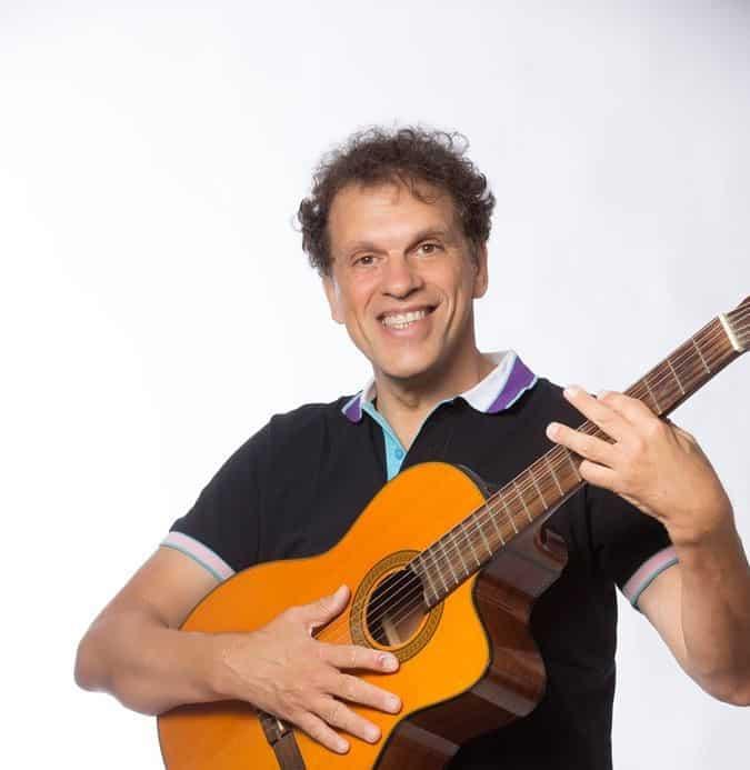 המופע של ישראל והגיטרה