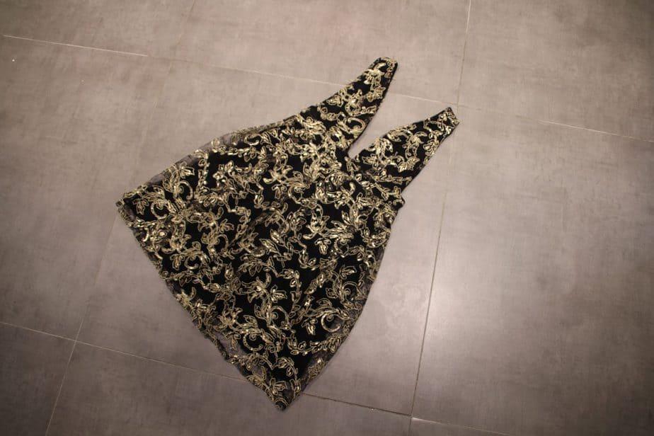 שמלת מיני נגיעות זהב- מחיר: 99.99 ש''ח