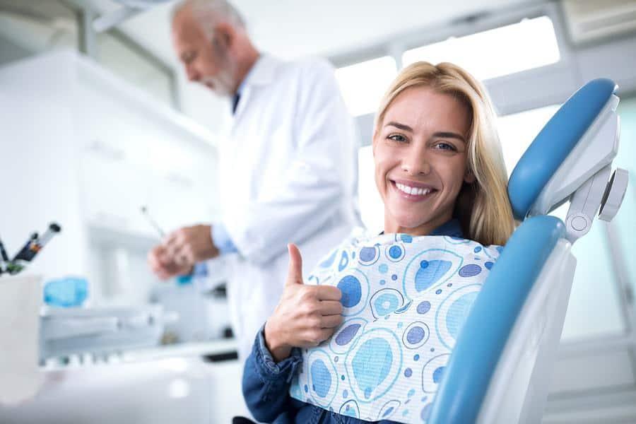 רופאי שיניים מומלצים בגני תקווה וסביון (צילום: bigstock)