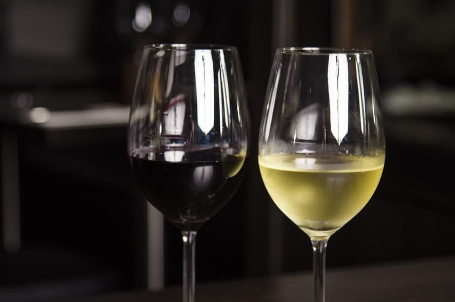 יין אדום ויין לבן