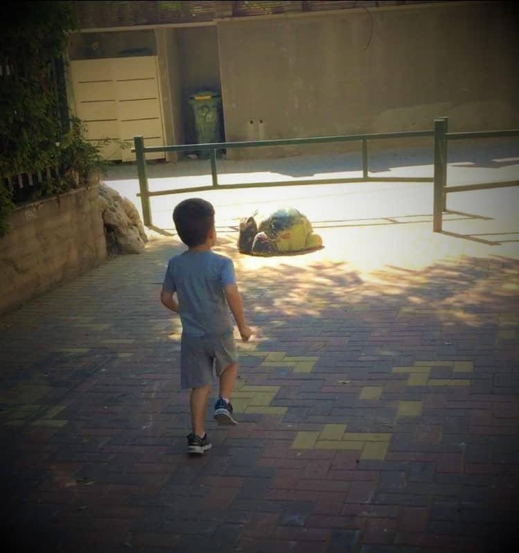 ילד יצא מגן ילדים ביהוד