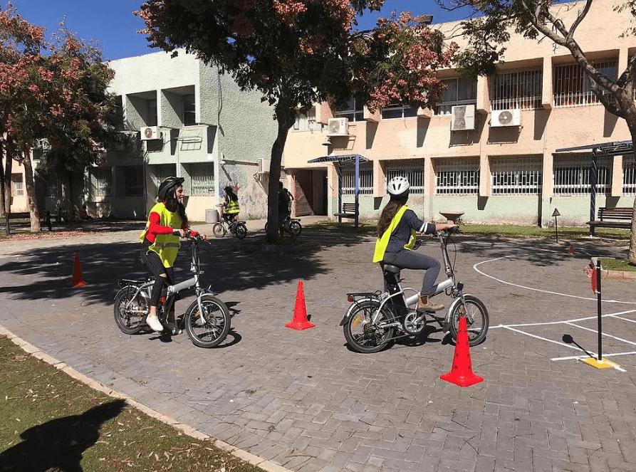 שבוע זהירות בדרכים בקריית אונו. אופניים חשמליים