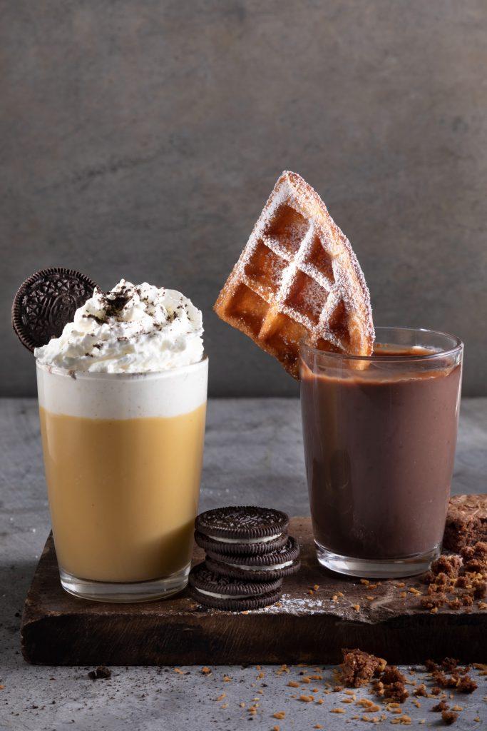 קפה ג'ו - משקאות חורף חדשים בתמונה קרמל מלוח ושוקולטה קוקוס