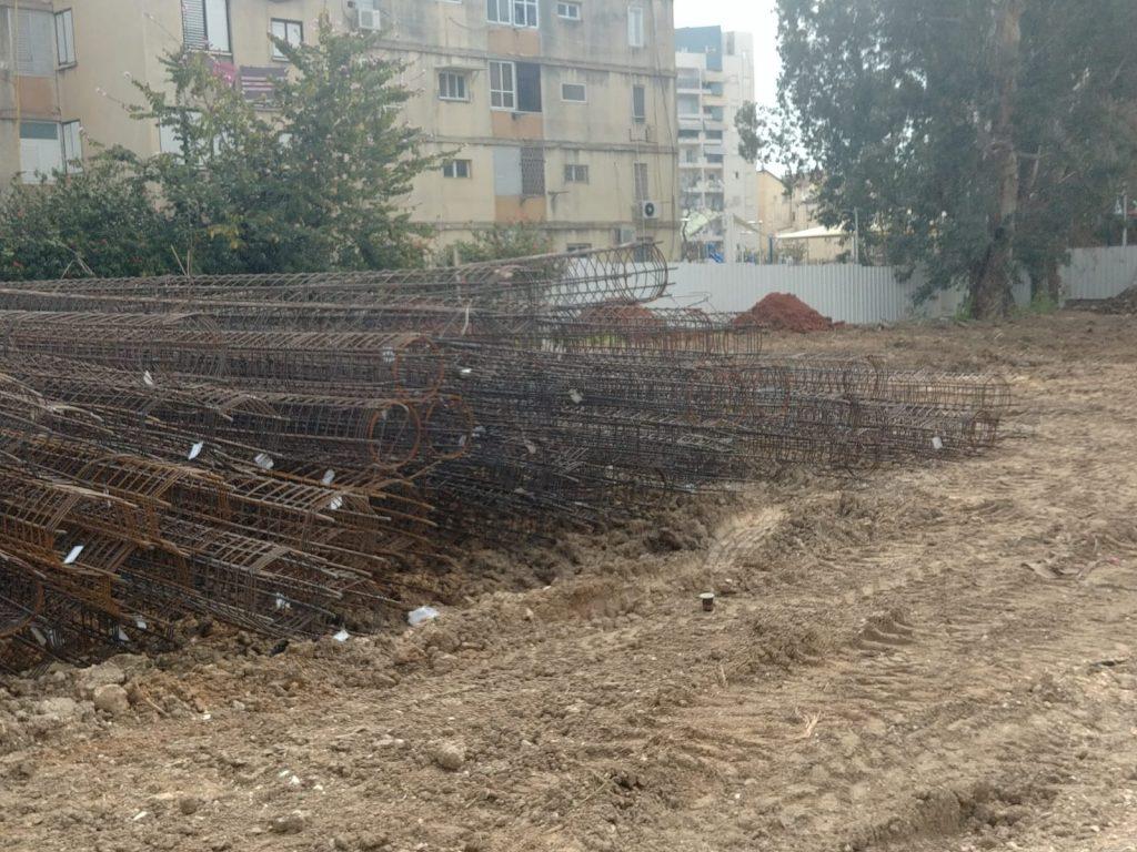 תחילת העבודות להקמת אולם הספורט ביהודה הלוי2