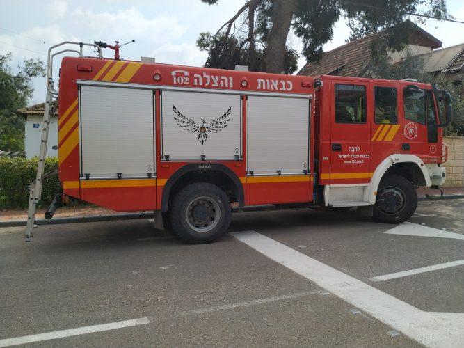 לוחמי האש משפצים בית לקשיש ביהוד