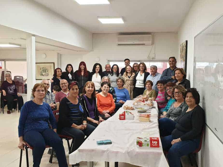 כריך 10 עם ראש העיר ליאת שוחט, נציגי ארגון נותנים באהבה, סגני ראש העיר, הרכזים והמתנדבים