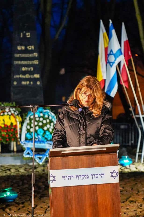 ראש העיר נואמת בביאליסטוק