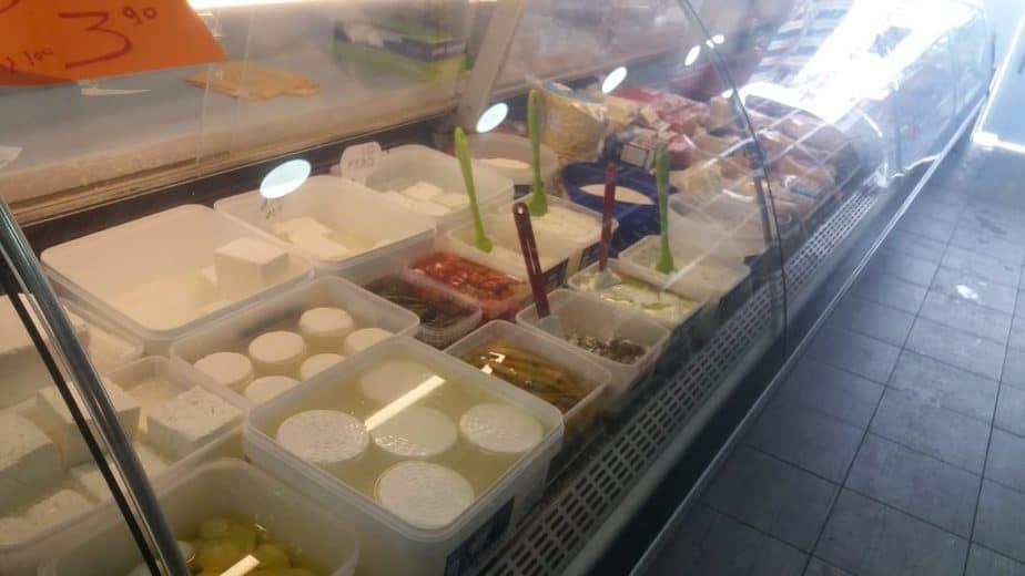 דגים גבינות ומה שביניהם