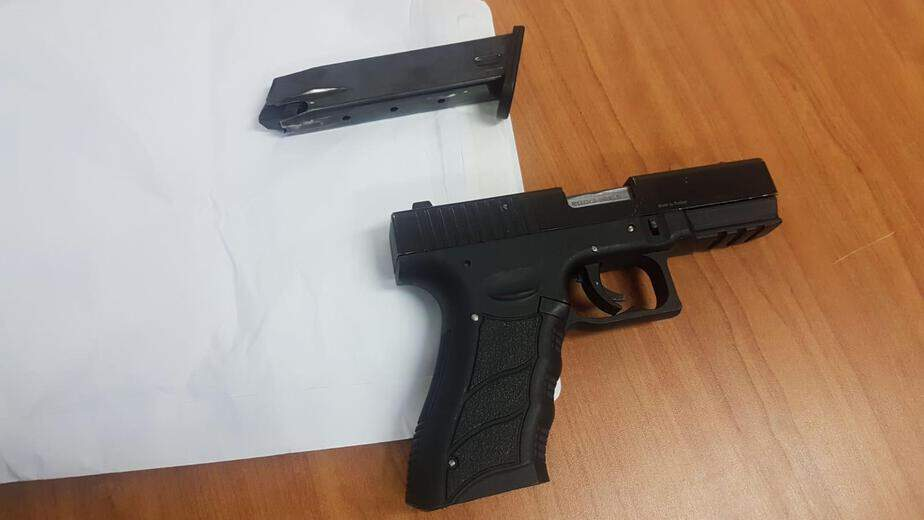 אקדח שנתפס אצל עבריין מאור יהודה