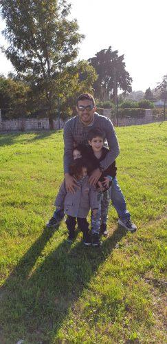 עמי משולם עם ילדיו