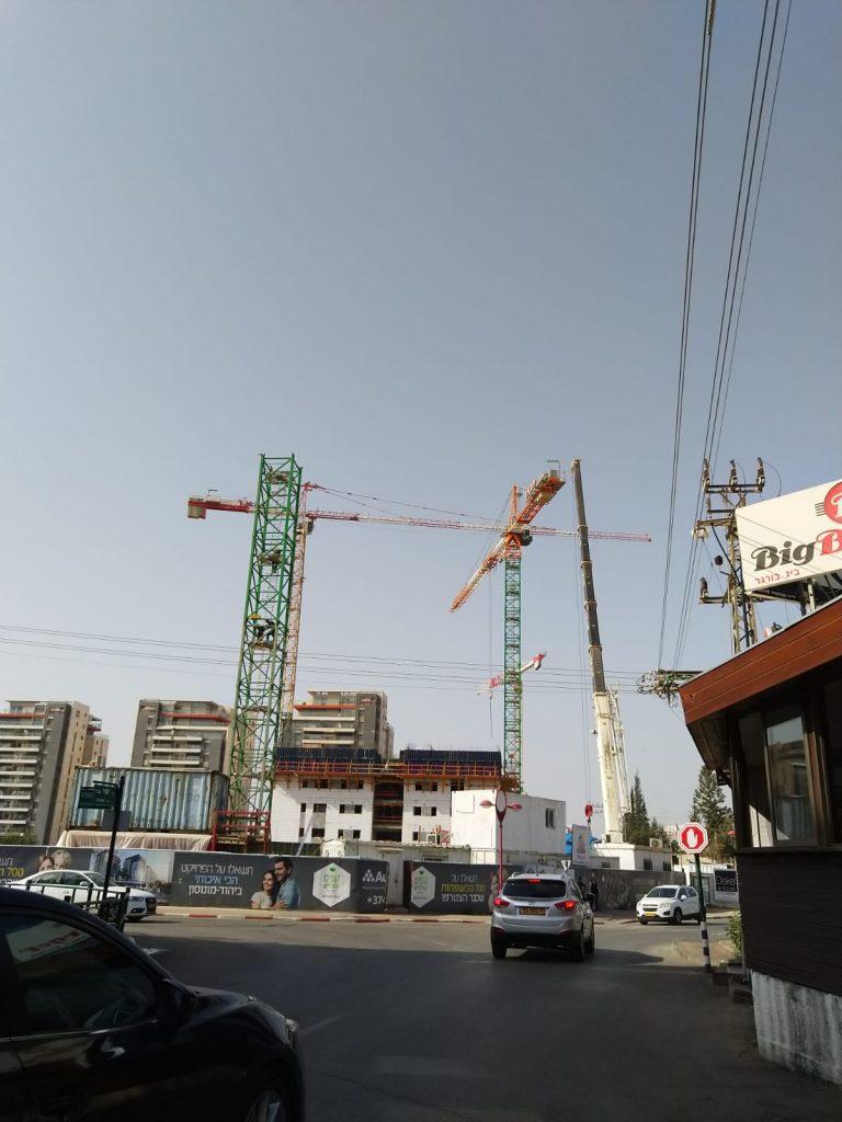 בנייה ביהוד צילום יפעת זמירבנייה ביהוד צילום יפעת זמיר