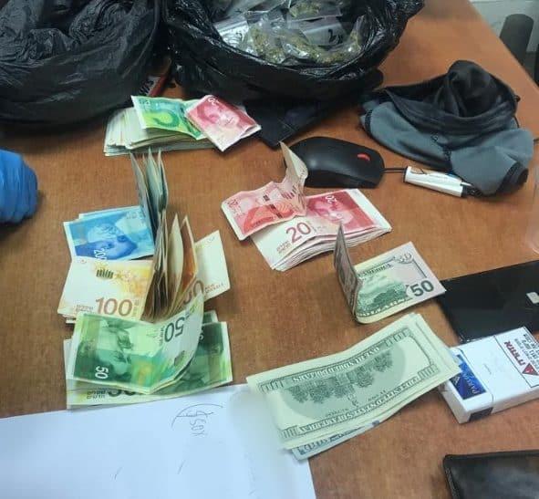 הכסף שנתפס אצל החשוד