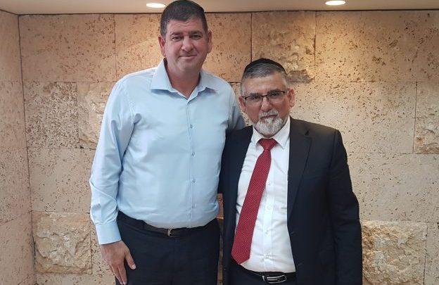 שר הדתות עם ראש עיריית גבעת שמואל