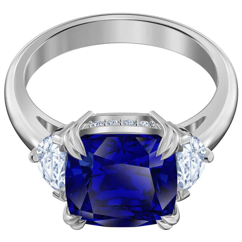 """סברובסקי לפלאנט, טבעת בכחול קלאסי. מחיר 650 שקל. צילום: יחצ חו""""ל"""