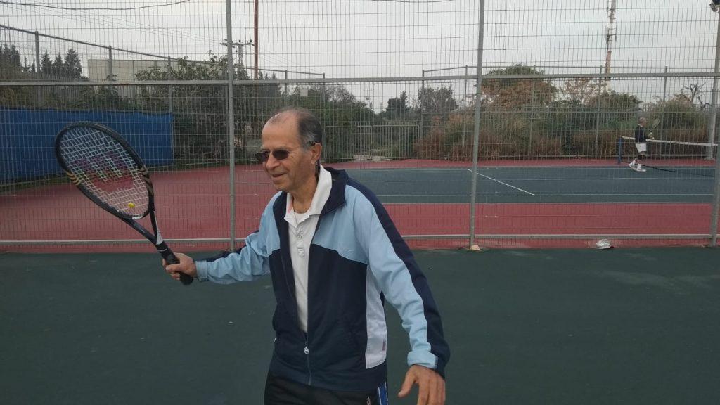 משחקים טניס