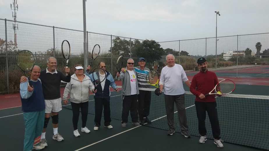 שחקני הטניס בגמלאות