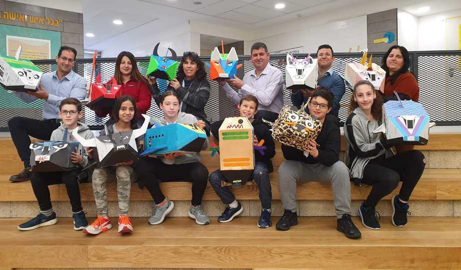 ראש העיר עם התלמידים