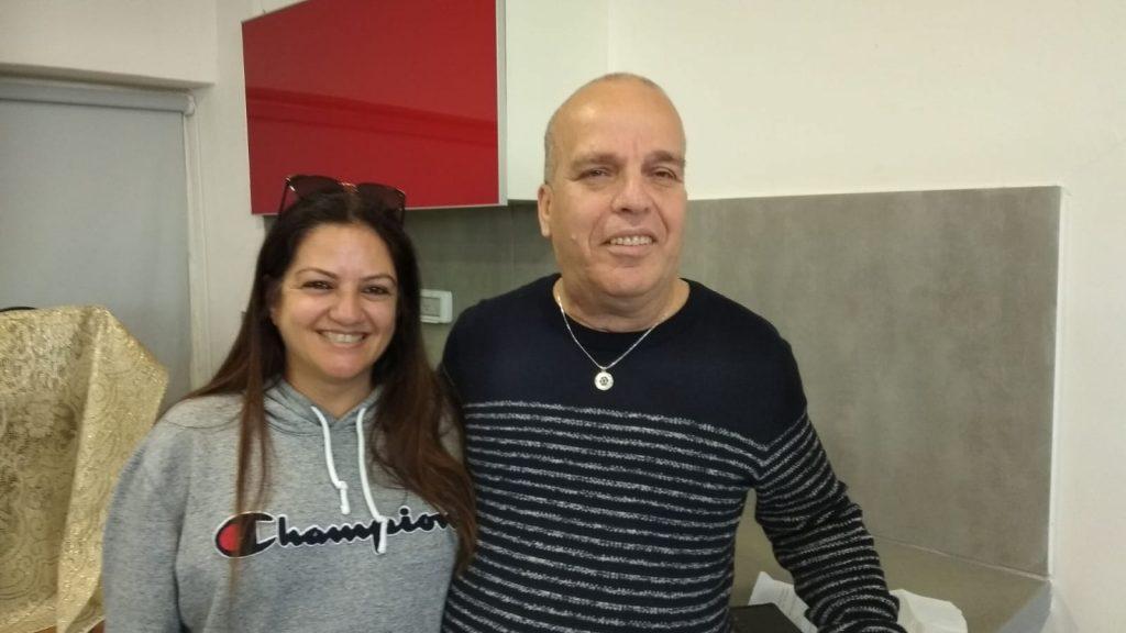 מאיר עם אשתו