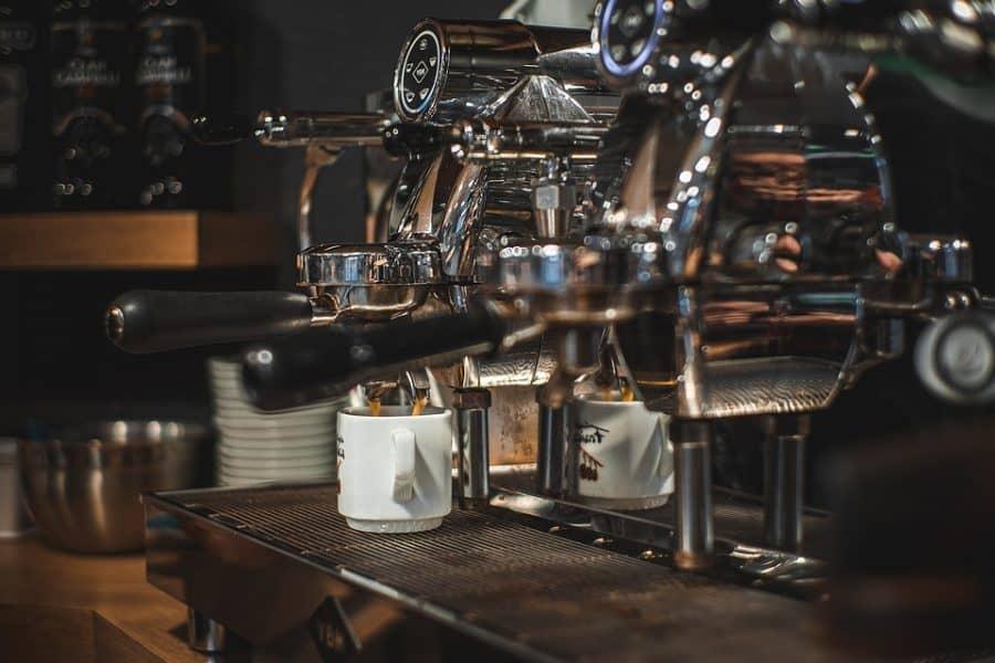 בתי קפה בגני תקווה. אילוסטרציה