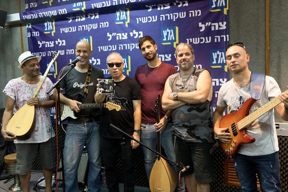 שחר כהן עם עראק רוקס. צילום: זיו אורן