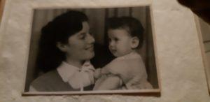 אסתי לידר עם אמה