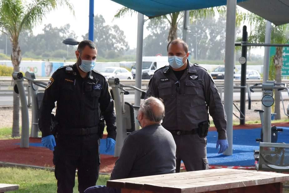 משטרת ישראל בקמפיין הסברה לתושבי בקעת אונו. צילום: דוברות המשטרה