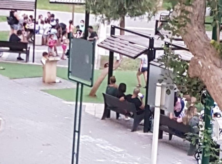 התקהלות בגינת המצפה (צילום פרטי)