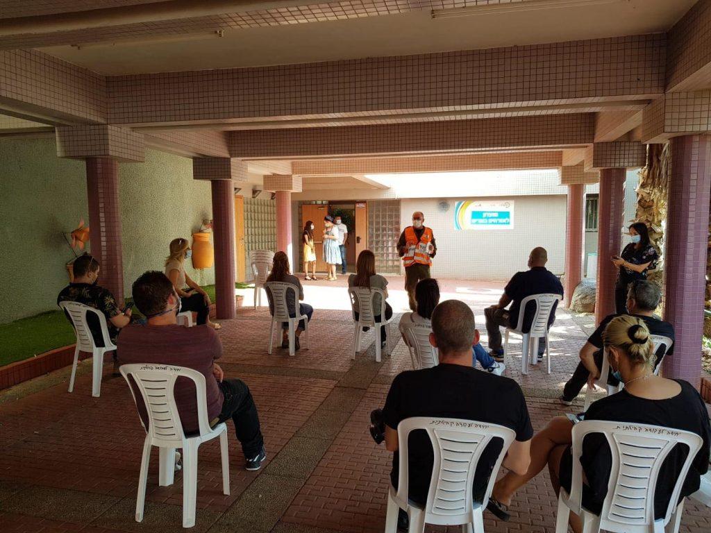 מתנדבים ועובדי עירייה בשיתוף פיקוד העורף