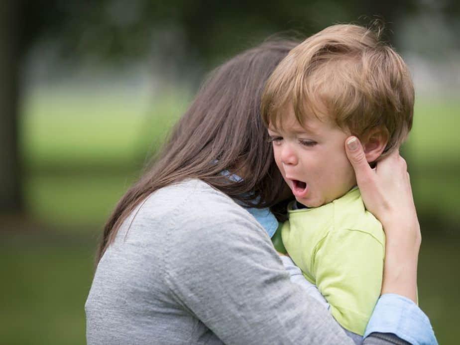 ילד בוכה canva