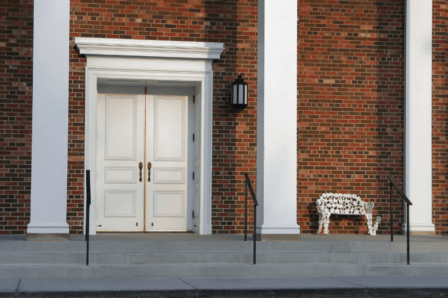 ליעד מרום canva דלת כניסה