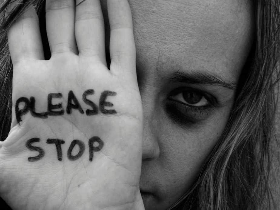 מודעות למאבק באלימות נגד נשים (תצלום אילוסטרציה Canva)