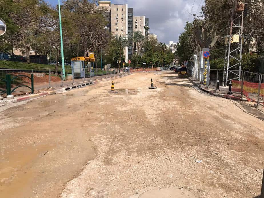 עד מתי? עבודות תשתית ברחוב הרמה (צילום אורי בר)