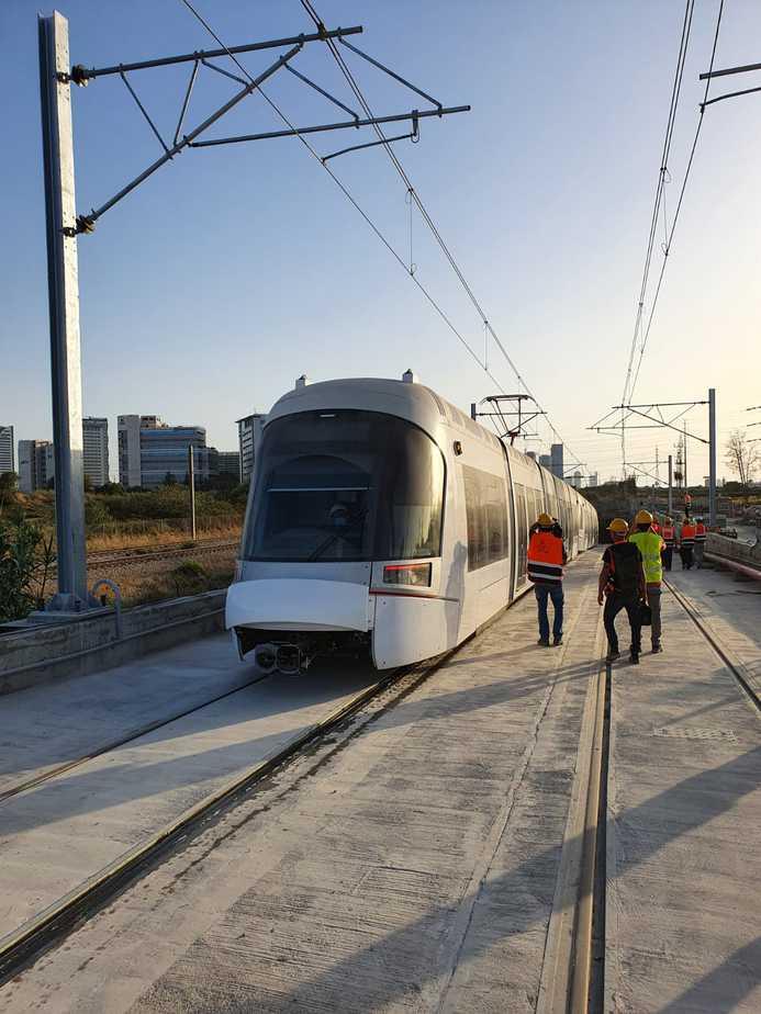 """נסיעת המבחן של הרכבת הקלה בשבוע שעבר בקו האדום בפתח תקווה. צילום: נת""""ע"""