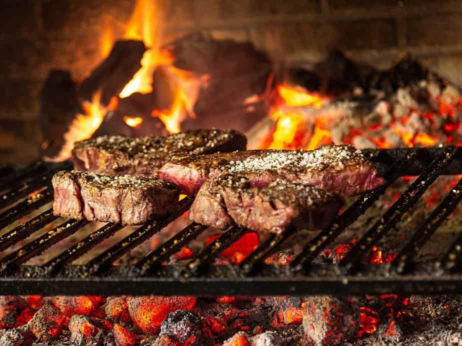 שיפודיות ומסעדות על האש בבקעת אונו. צילום אילוסטרציה canva